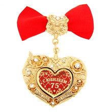 "Promotional novelties.vintage brooch pins.heart pendant.""75 years"" brooches.metal clothing jewelry souvenirs for birthday party"