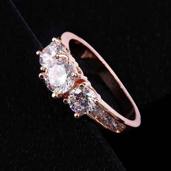 17KM New Hot Fashion Luxury High quality Rose Gold Color Crystal Ring Engagement jewelry Wholesale Sliver Color Ringsfor women