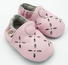 2019 New Summer pink laser cut Baby Girls Shoes Genuine Leather baby moccasins Handmade Toddler Shoes Soft Princess Footwear(China)