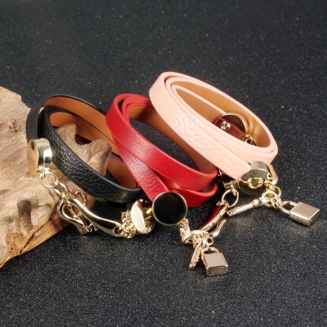 Фото женский кожаный браслет брелок ширина 30 мм цена