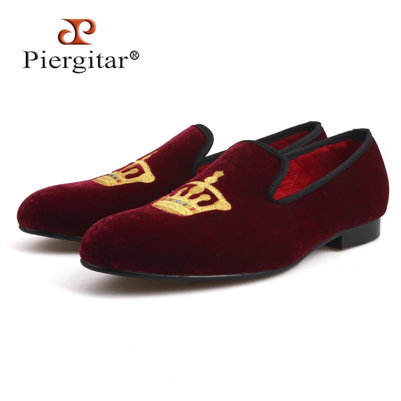 Embroidered Gold Crown Design Men Velvet Shoes Fashion Men Smoking Slippers male wedding and party loafers