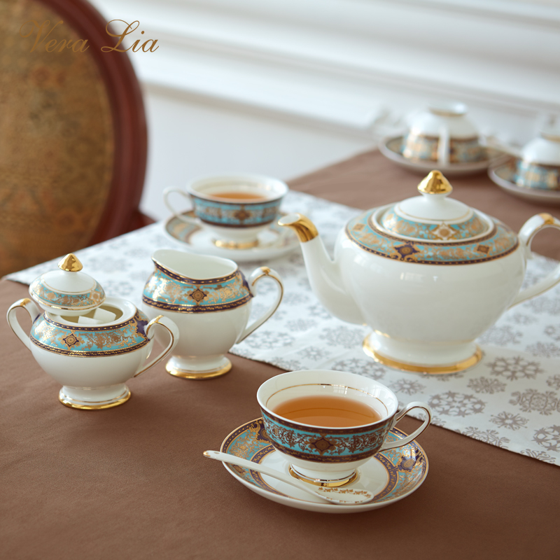 The barpque series bone China afternoon tea set retro luxurious British household coffee cup set black tea cup and saucer giftThe barpque series bone China afternoon tea set retro luxurious British household coffee cup set black tea cup and saucer gift