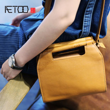 цены AETOO Vintage Artistic Wooden Handbag Leather Small Handbag Shoulder Skip Bag Korean Version Small Square Head