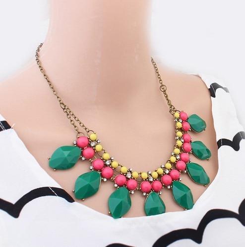 683eef5dac9b Min. orden  10 (artículo de la mezcla) spx3415 nuevo moda chunky acrílico collar  Collares el babero Cuerpo joyería verde