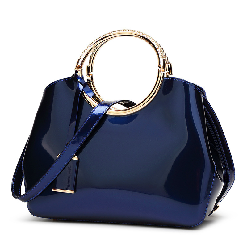 2018 new luxury handbags European and American fashion designer brand women casual tote bag Patent leather shoulder bags vm fashion kiss european and american leisure straw bags vintage beach bag for women rattan handbags travel tote lunch hand bag