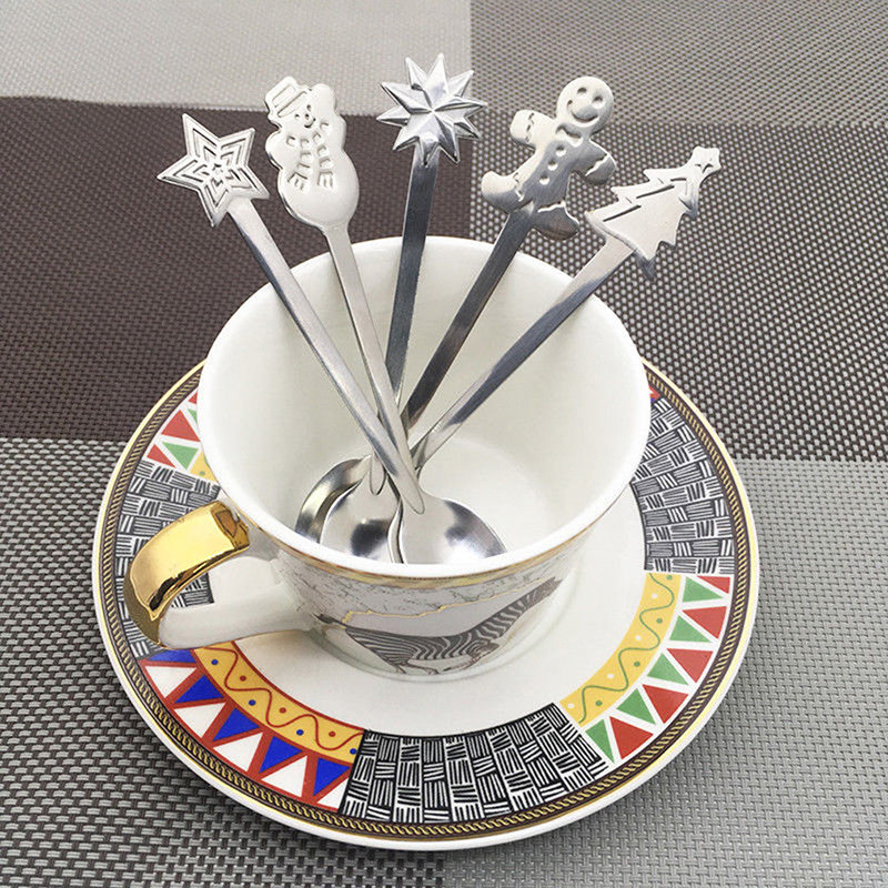 Creative New Hot 4 Pcs Christmas Coffee Spoons Stainless Steel Coffee Spoon For Kid Drinking Tea Spoon Christmas Tableware Gifts