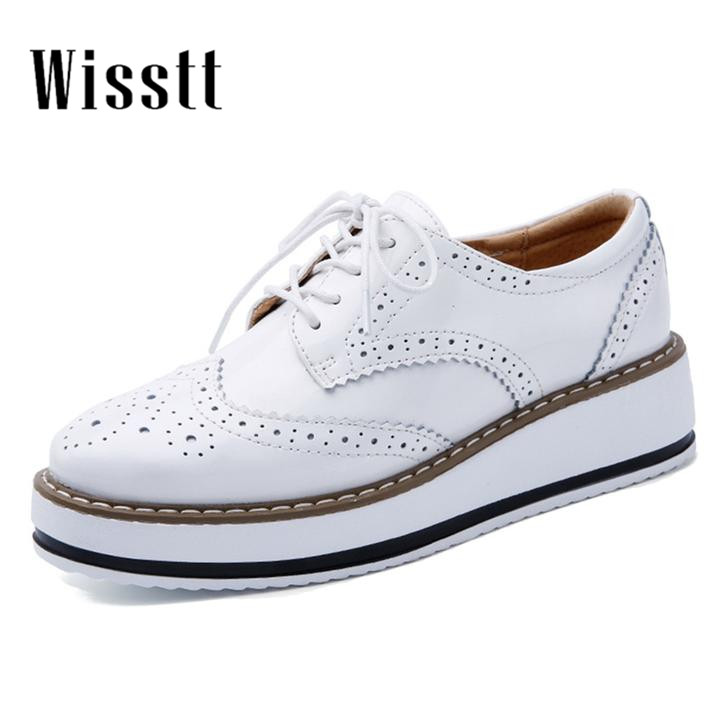 2017 Women Gril Platform Oxfords Brogue Flats Shoes Patent Leather Lace Up Pointed Toe  Female Footwear Shoes qmn women crystal embellished natural suede brogue shoes women square toe platform oxfords shoes woman genuine leather flats
