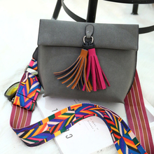 Hot Sale High Quality Famous Designer Brand Folk Custom Style Bag Fashion Female Solid Color Tassel