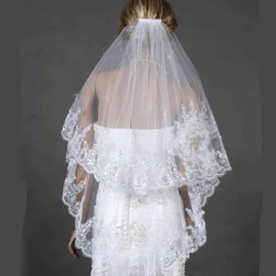 Cheap Fingertip Veil Appliqued Edge 75CM Short Bridal Veils Two Layer Wedding Veils with Comb Vintage Bride Wedding Dress Veils