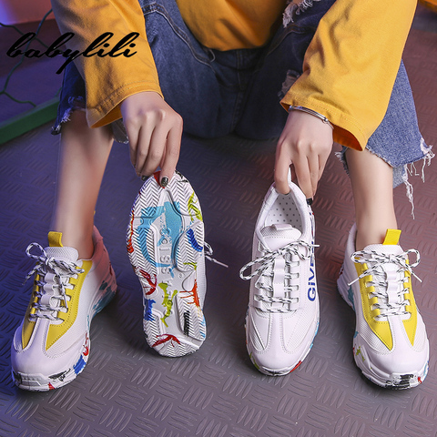 2019 Fashion White Sneakers for Women Breathable Graffiti Platform Sneakers Luxury Shoes Women Designers Womens Vulcanize Shoes Multan