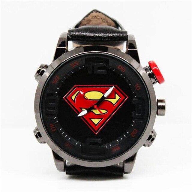 Наручные часы с логотипом Супермен