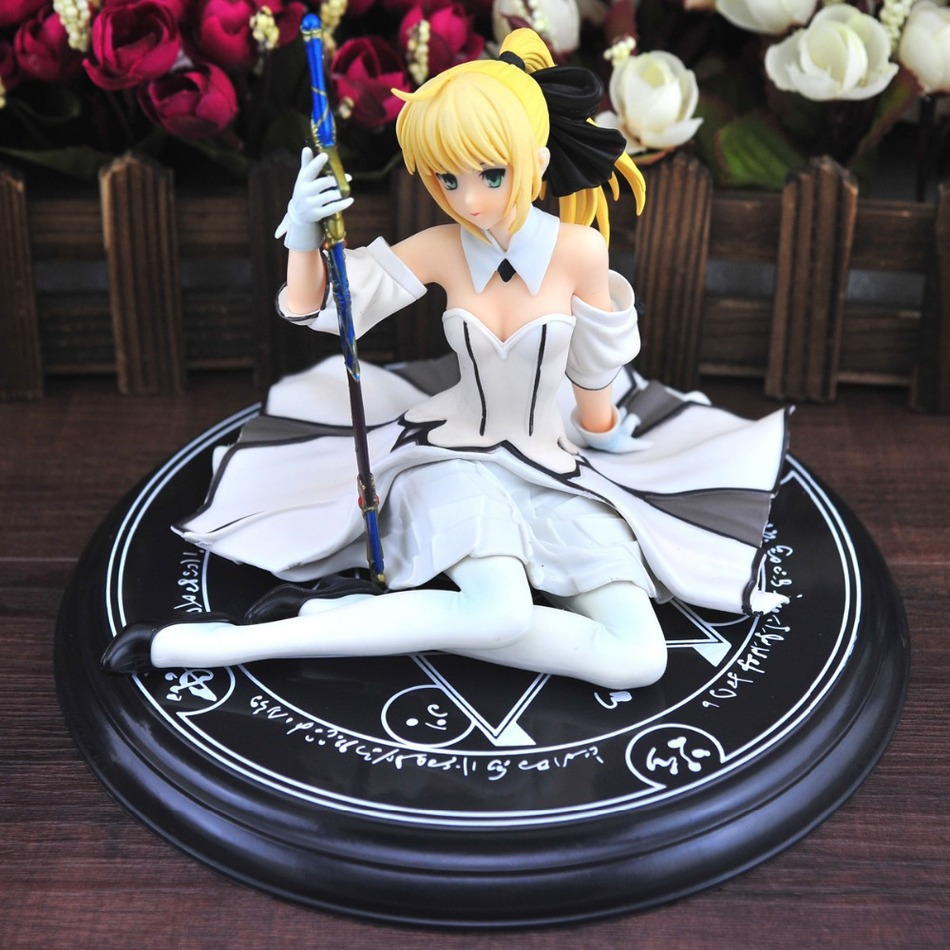 Anime Fate stay Night Saber Lily Sitting Posture Fate/stay Night PVC Action Figure Collection Model Toys Gift 13CM Free Shipping alen new hot fate stay night racing girl black blue white saber throne pajamas action figure toys collection christmas gift doll