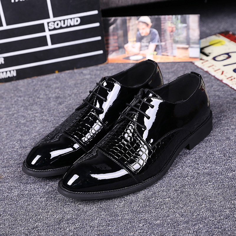 ФОТО Fashion Snake Pattern Leather Shoes Italy Design Flat Pointed Toe Men Dress Shoes Classic Black Gentlemen Wedding Shoes