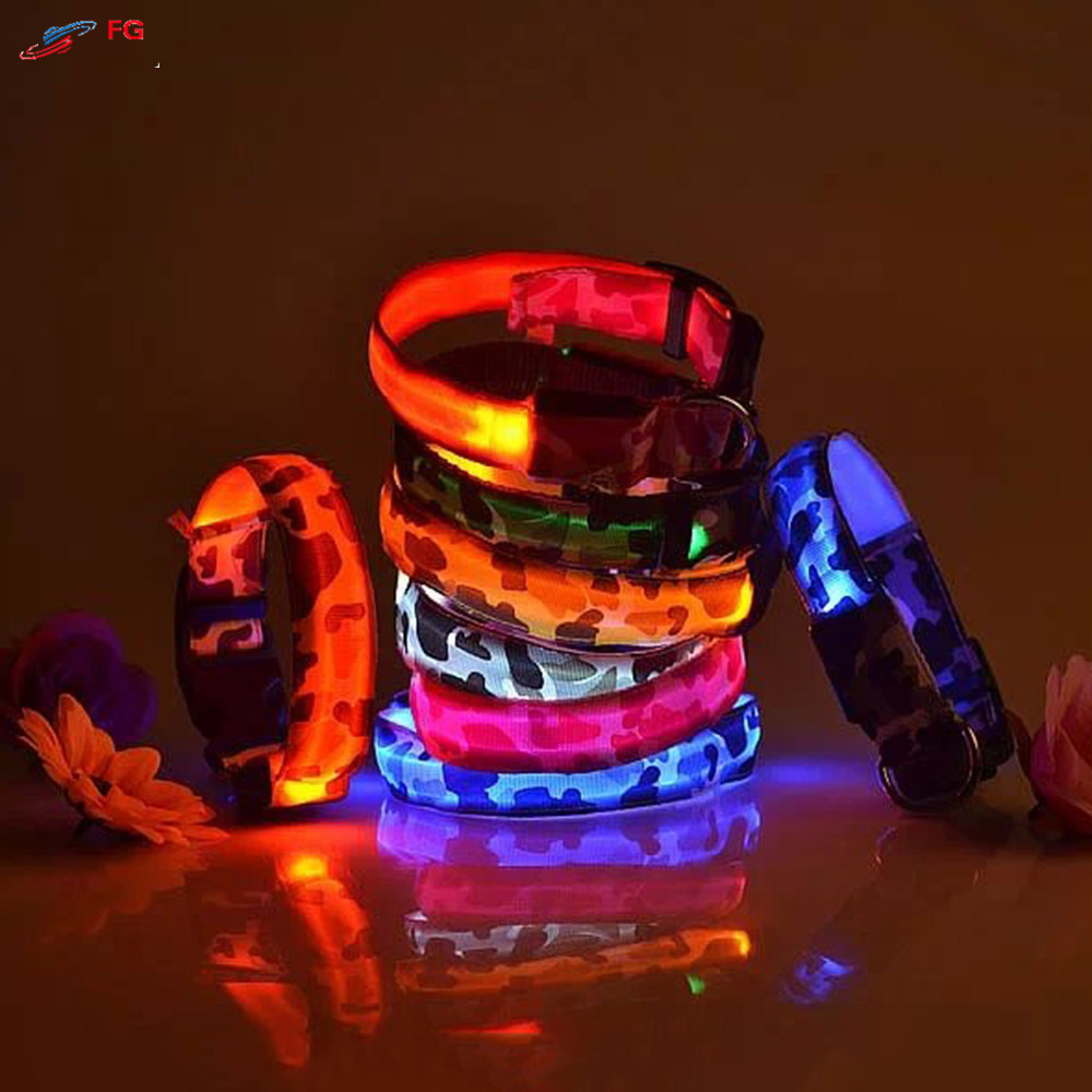 2.5cm Lebar 4 Ukuran Dog LED Collar Nylon Kamuflase Keselamatan Malam LED Flashing Pet Dog Collar Kalung
