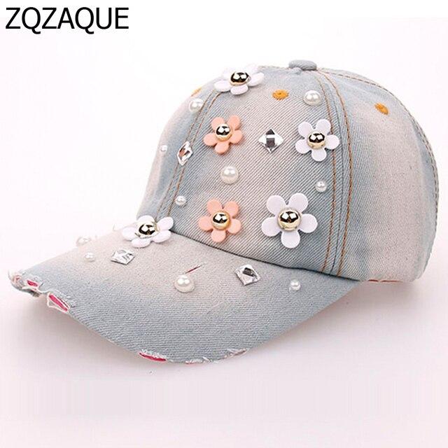 4265ff747283d 2018 de la moda femenina de mezclilla Gorras de béisbol floral decorado  diamantes todo-fósforo