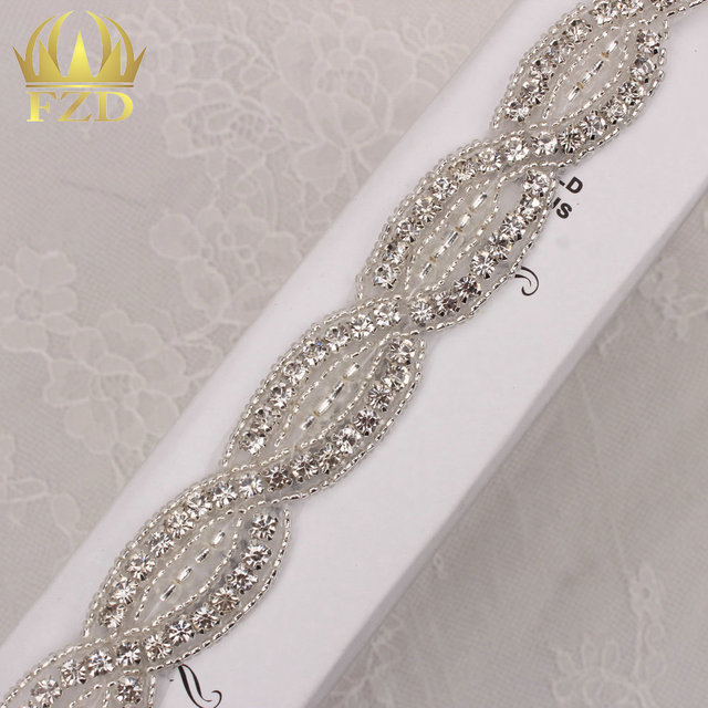 (10yards) Crystal Stoned Chain Trim Wedding Wholesale Rhinestones Chain  Sliver Base Iron On Rhinestone Patches Applique For Sash 5f634f53cd29