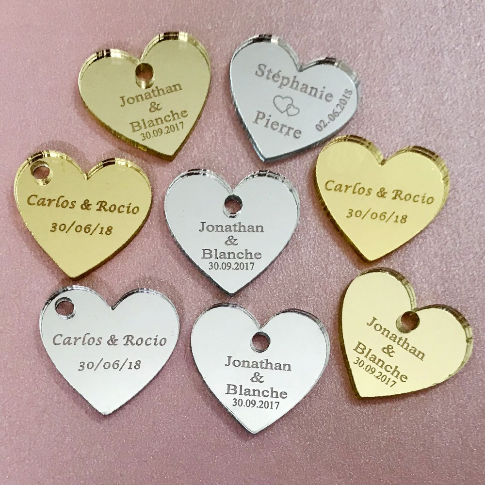 50 / 100pcs Personalized Mr & Mrs Mirror Love Heart Wedding Nikmat Meja Perhiasan 25mm dengan lubang di tengah