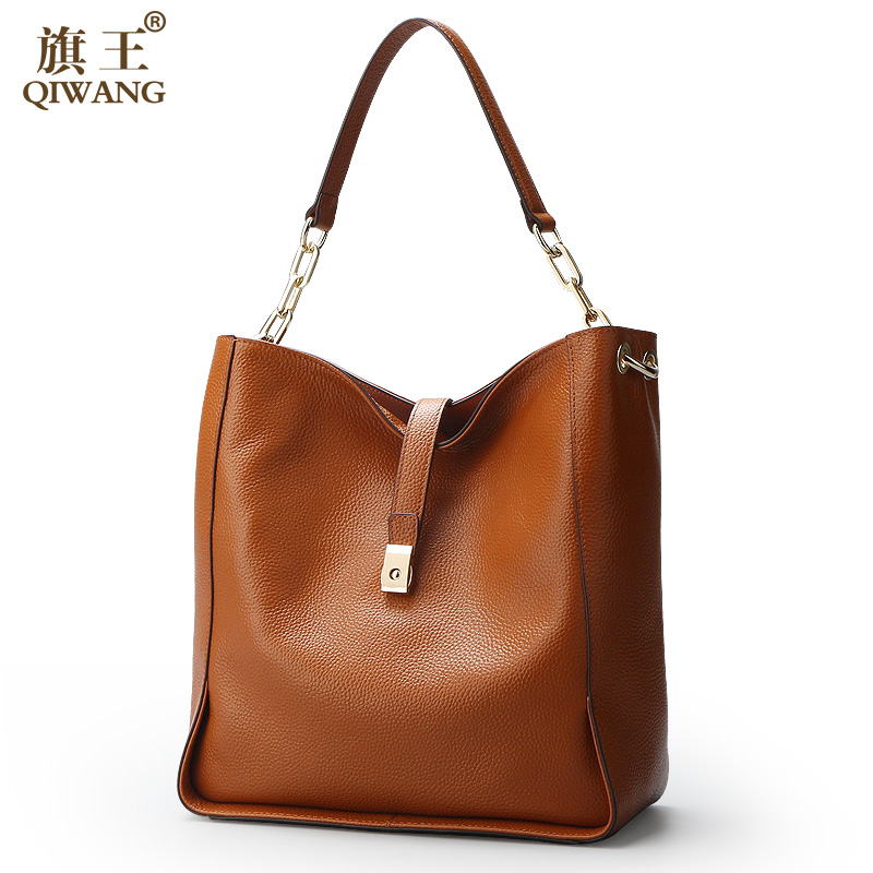 Qi Wang Soft Genuine Leather Women Hobo Bag Leather Gold Logo Brand Work Handbag Women Brown Bucket Bag Chain Purse Elegant niuboa soft genuine leather women tote bag leather vintage brand work handbag new euro women bucket bag elegant shoulder bags
