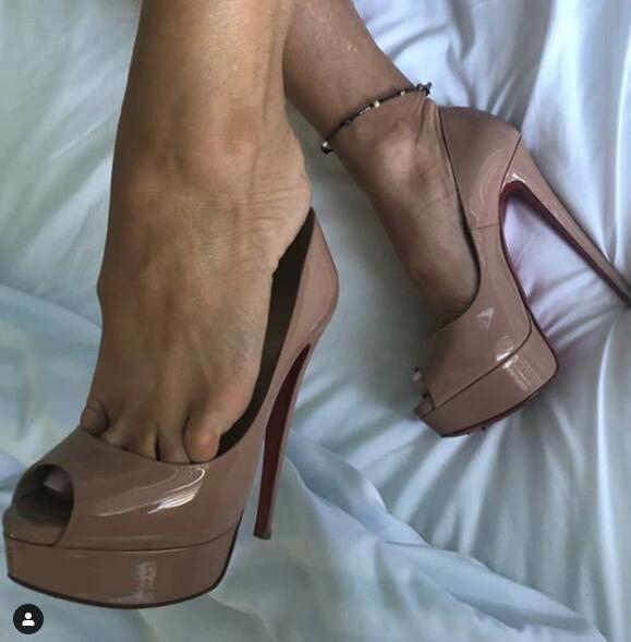 Moraima Snc セクシーなピープトウプラットフォームは黒ヌードパテントレザー超高ドレス靴女性にパーティードレスかかと