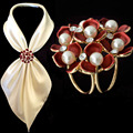 Mulheres moda Jóias Broches Banhado A Ouro Simulado Pérola Rhinestone Esmalte Flor Cachecol Clips Broche de Casamento Para As Mulheres