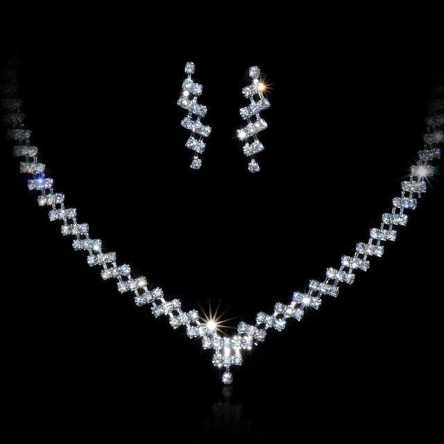 fb9bc9881cbd Elegante collar y aretes Sets cristal austriaco Juegos de joyería collar de  cadena Pendientes para la