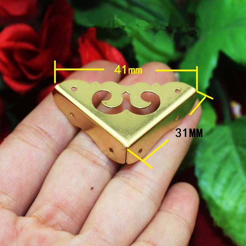 купить Brass 31mm Side Corner of Furniture Corners Triangle Fillet Gift Upscale Decorative Sheet Copper Purses Gusset,Yellow Leg дешево