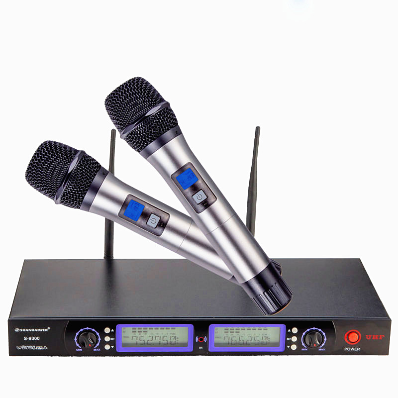Professional UHF dual channel 200  frequency optional metal handheld microphone  KTV  wireless personalized megaphone system unique 4 channel uhf wireless microphone system