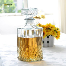 1PC Hot Sale Luxury Lead Free Square Glass Wine Bottle Whiskey Decanter Alcohol Container Pourer Wine Carafe 800ML JR 1084