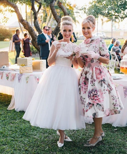 Vintage Style Lace Bodice Wedding Dress 2017 New Scoop Neck Tea ...