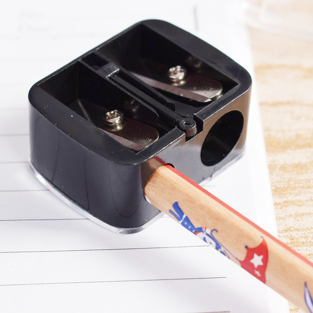 Fashion 2 Holes Precision Cosmetic Pencil Sharpener For Eyebrow Lip Liner Eyeliner Pencil School Office Supply Gift Hot Sale 2