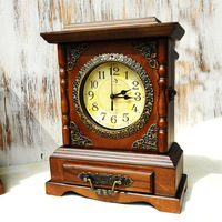 TUDA Free Shipping 10 Inch Chinese Style Table Clock Pine Wooden Table Clock Luxury Retro Table