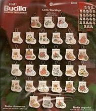 ゴールドコレクションカウントクロスステッチキット小さなストッキング飾りクリスマス装飾品、30ピースストッキングbucilla 84880