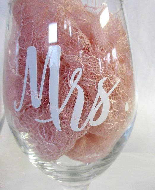 9pcs Mr& 9pcs Mrs /set Wine glasses Sticker Newlyweds Engagement Wedding Gift Champagne glass decal Copas de vino EB020