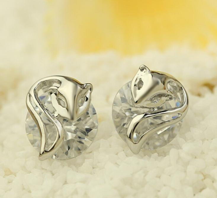 b26086486de0 OMH al por mayor comprar 5 pair off20 % de plata 18kt cristales austríacos  de oro blanco de la manera el zorro princesa Pendientes de broche envío  gratis ...