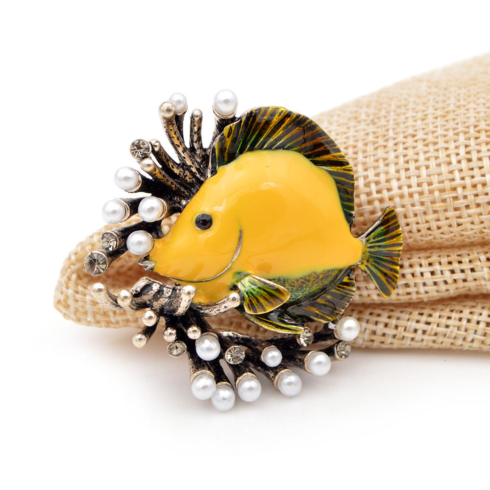 CINDY-XIANG-Creative-Pearl-Fish-Brooches-For-Women-Cute-Party-Casual-Pins-Jewelry-Coat-Dress-Shirt (6)