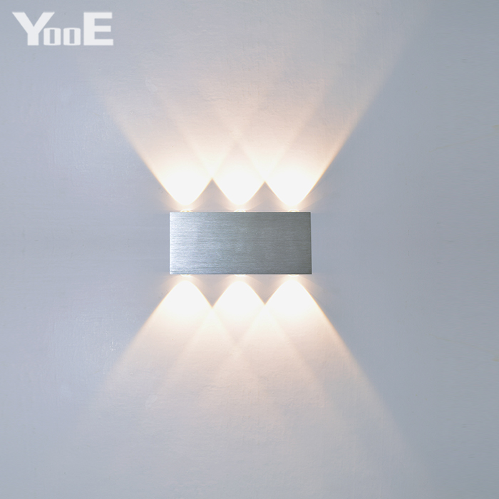 YooE 2W 4W 6W 8W lámparas de pared LED AC100V / 220V de aluminio decoran la lámpara de pared LED del dormitorio del aplique de pared