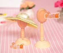 Mini dollhouse Mini wooden furniture with 2 wooden accessories