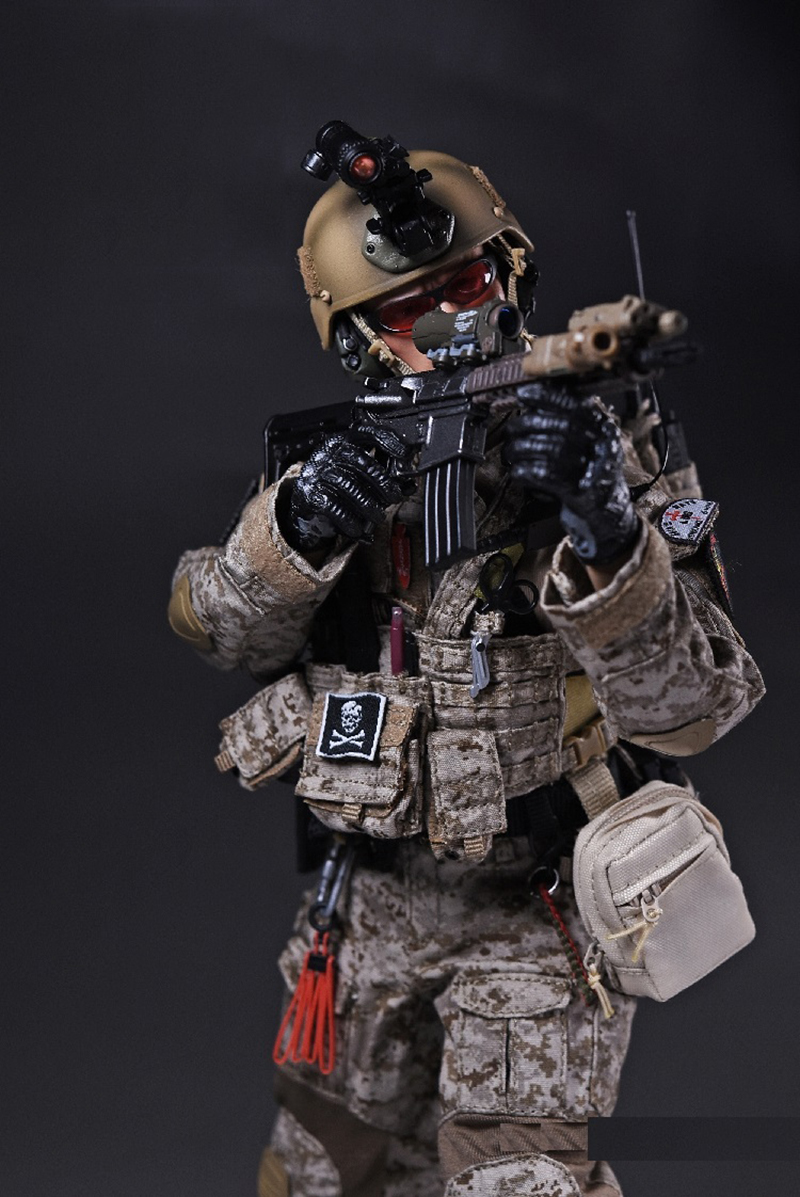 1/6 U.S.Navy Seals Six Team Commandos Set with Dog and two Guns Figures Gift   Collection 2