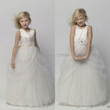 Romantic White Flower Girls Dresses Beaded kids evening gown communion with Appliques Sash Cute Lovely Little Girls Pretty Gowns