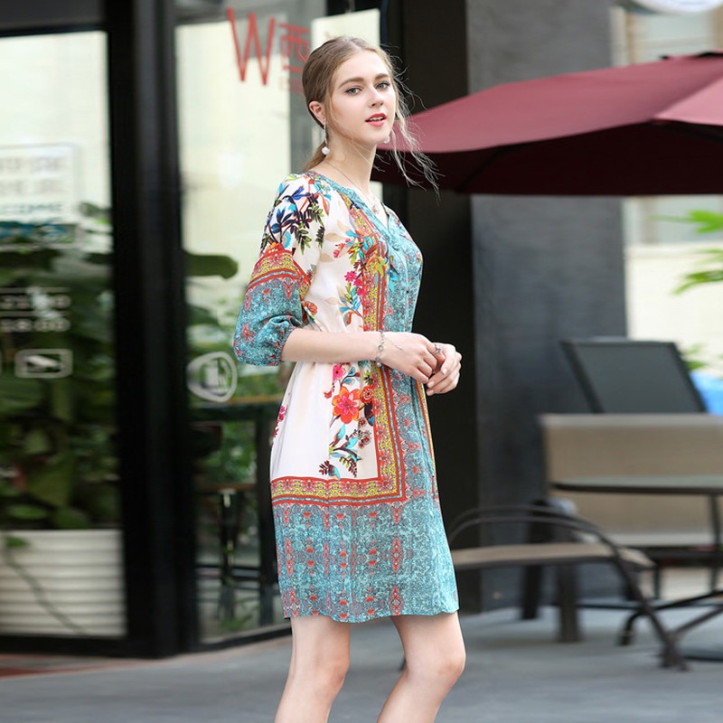 High quality 2018 spring Runway National style V-neck delicate flowers printed defined waist Women Knee-Length dress