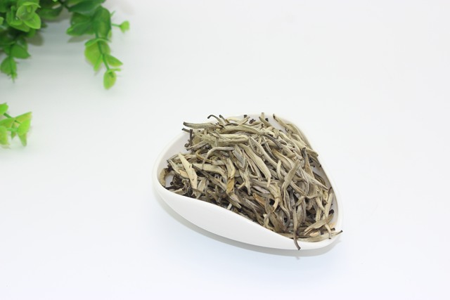 125g Organic AAAAA+ Silver Needle White Tea Bai hao Yinzhen Anti-old Tea Bai Hao Yin Zhen Chinese Tea Green Food