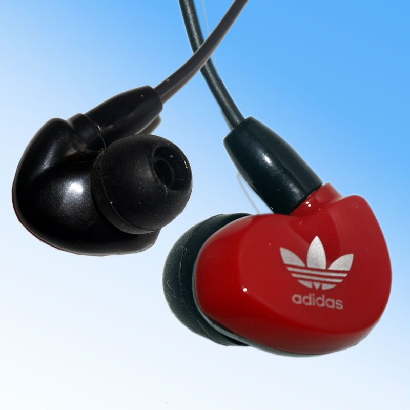 2016 hot 3 5mm in ear headphones headsets earphones for IPHONE 3 4 4s 5 5s