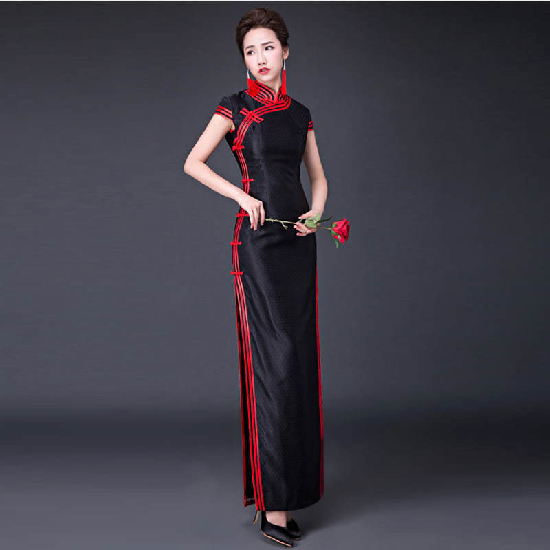 2018 Long Cheongsam Sexy Qipao Black Oriental Style Dresses Traditional Chinese  Dress Retro Dressing Gown Robe Orientale bd8e50aca