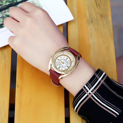 Для женщин со стразами из искусственной кожи часы Модные Роскошные Плывун женская одежда кварцевые наручные часы женщина Повседневное
