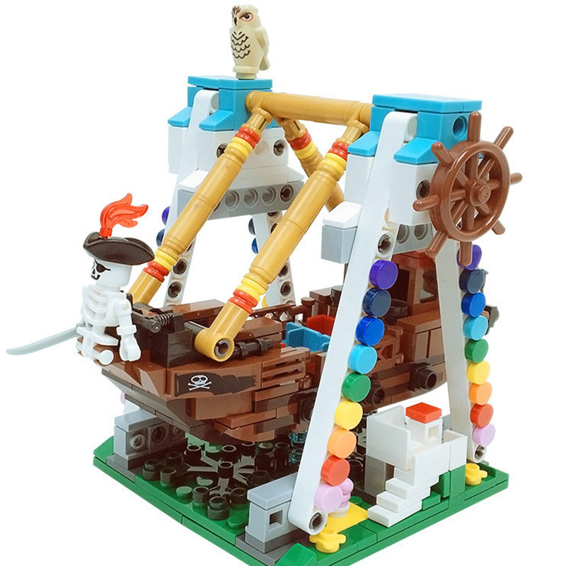 520Pcs Legoingly Pirates Ship Black Pearl Block Toy Swing