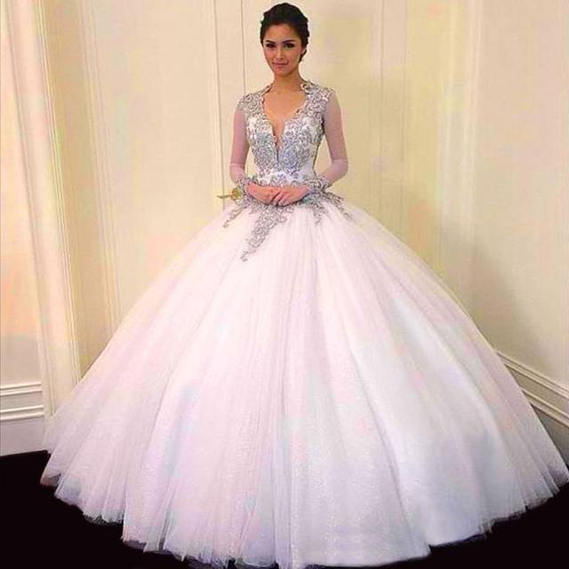 Longo vestido de Baile Quinceanera Dresses New Doce 16 V Neck Tulle Por 15 Anos Sem Encosto Mangas Compridas Beads QD141