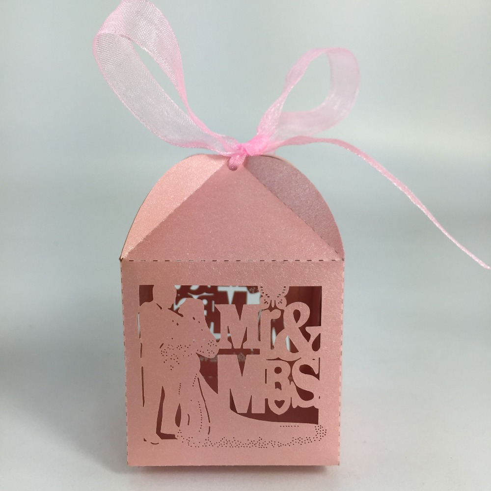 bride and groom favour wedding invitation candy door gift box on ...