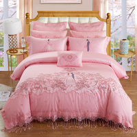 2018 Egyption Cotton red pink Color Cotton Satin lace Bedding Set Embroidery Duvet Cover Set Bed Linen Tassels Bedding