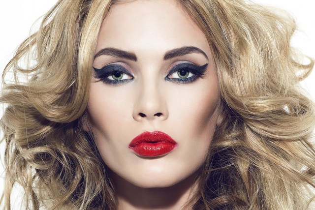 Home Decoration Girl Blonde Hair Makeup Lipstick Eyes Green Eyes