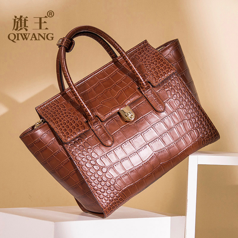 Qiwang Original Design Brabd Women Bag Luxury Crocodile Tote Bag Trapeze Fashion Female Luxury Handbag for Women New Arrival stylish women s tote bag with clip closure and crocodile print design